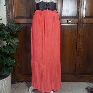 Pleated maxi skirt XL